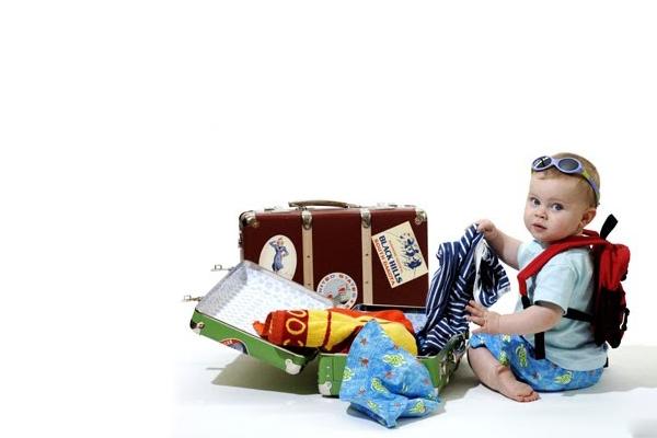 Trẻ em dưới 2 tuổi có phải mua vé máy bay